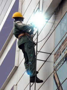 welding_worker_fr_clothing_shutterstock_38802793__rdx_